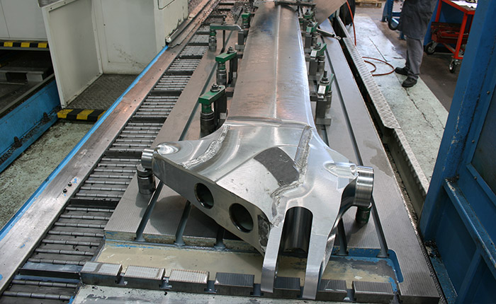 Keel machined from metal block - Guelt Nautic
