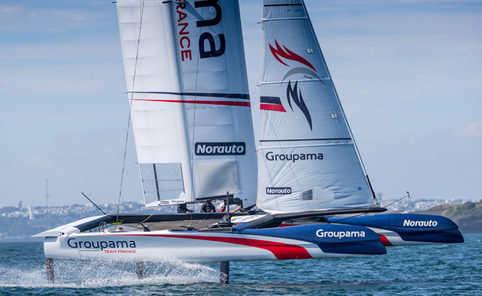 Le Class AC du team France Groupama sur la 35ème édition de la Coupe de l'America - Guelt Nautic
