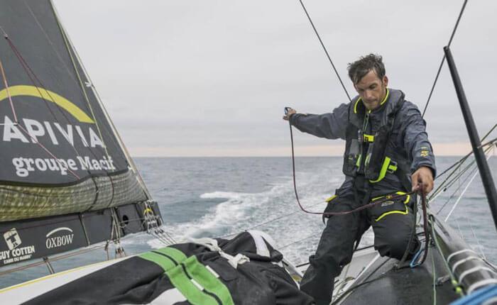 Charlie Dalin sur son Imoca pendant le Vendée Globe 2020